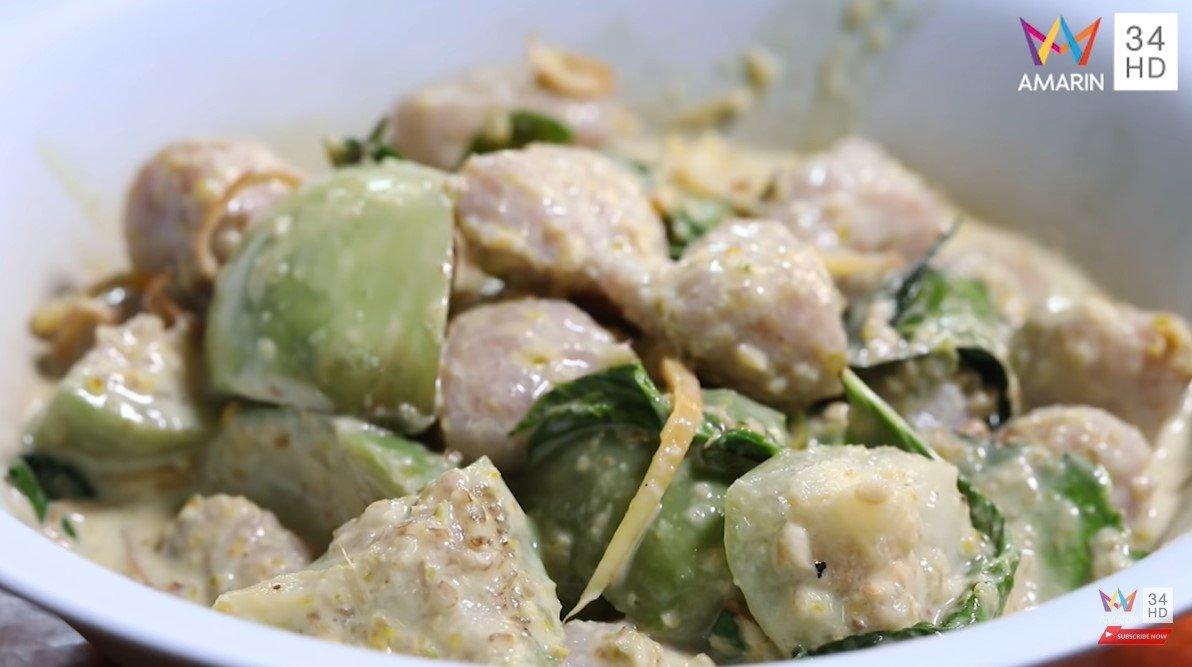 ผัดเขียวหวานลูกชิ้นปลากราย